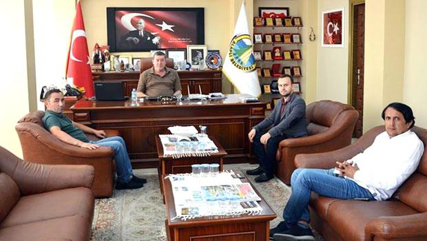 Belçika'nın Beringen Belediye Meclisi Üyesi, Alaplı Belediye Başkanı Nuri Teki'i ziyaret etti.