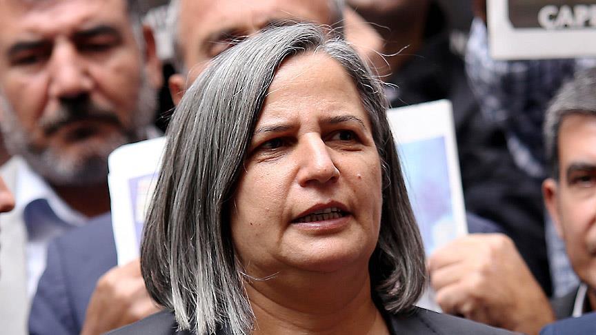 Diyarbakır Büyükşehir Belediye Başkanı Gültan Kışanak ile Belediye Meclisi Üyesi  Fırat Anlı  gözaltına alındı