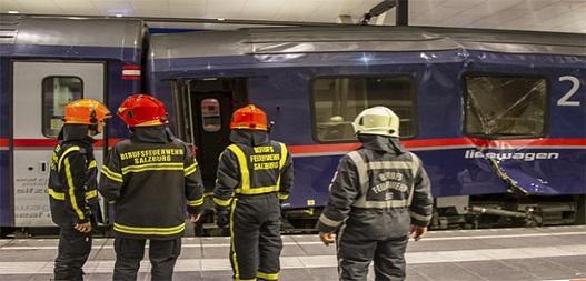 Avusturya'da iki tren çarpıştı 54 yaralı