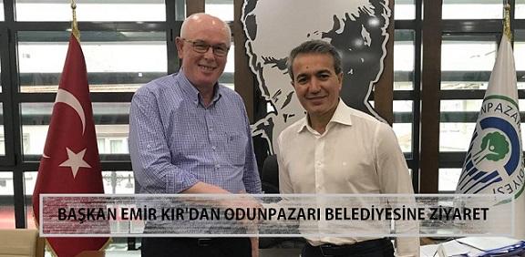 Başkan Emir Kır,  Odunpazarı Belediye Başkanı Kazım Kurt'u Ziyaret Etti