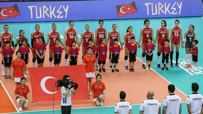 A Milli Kadın Voleybol Takımı gümüş madalyada kaldı