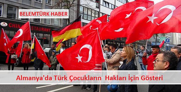 Almanya'da Türk çocukların hakları için gösteri