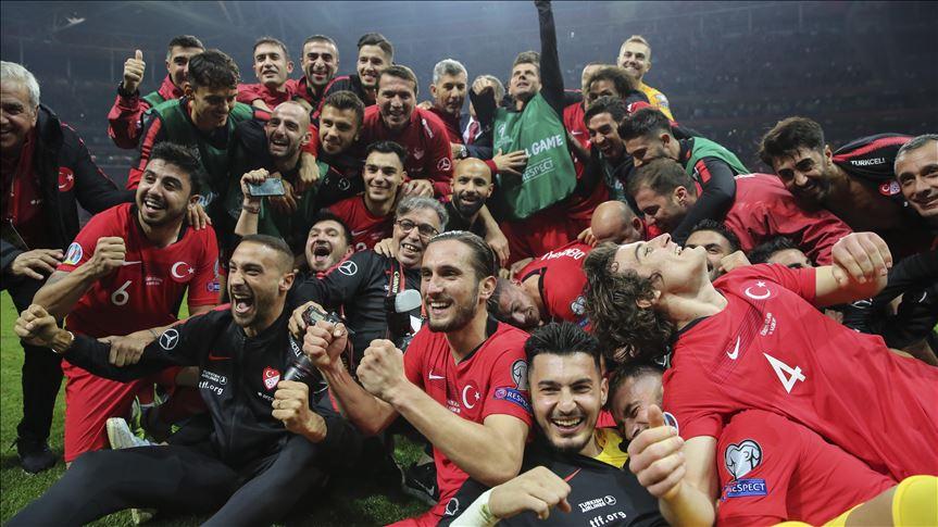 Türkiye, EURO 2020 finallerine katılmayı garantiledi.