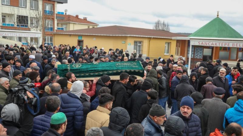 Polis kurşunuyla ölen Türk toprağa verildi