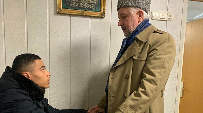 Almanya'daki ırkçı saldırıdan kurtuldu Müslüman oldu