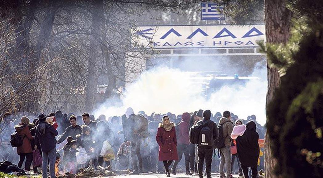Göçmenlere Yunan polisinden gaz ve ses bombalı müdahale
