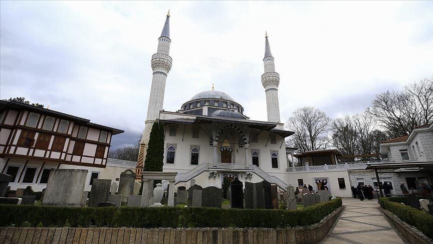 Almanya'da camiler mayısta açılabilir!