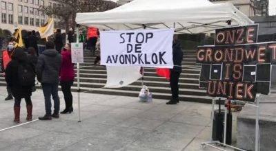 Belçika'da sokağa çıkma kısıtlamaları protesto edildi