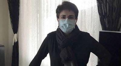 Gurbetçi kadına  temizlik işçisi olarak çalıştığı hastane tarafından liyakat nişanı verildi.