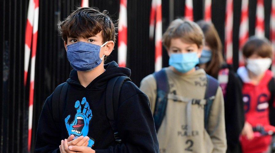 Gent şehrinde 12 yaş olan maske takma zorunluluğu 13 oluyor