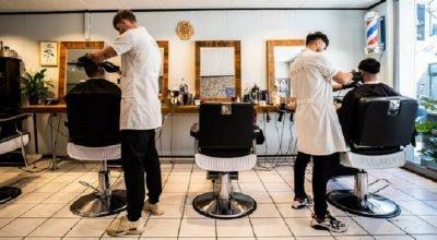 Almanya'da berberler 11 hafta aradan sonra kapılarını müşterilerine açıyor