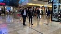 Hollanda'da kapalı alanlarda maske zorunluluğu kaldırılıyor.
