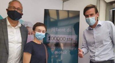 Belçika'nın Gent şehrinde 100 bin aşı sayısına ulaşıldı